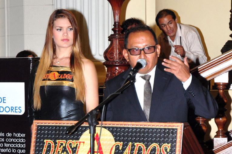Destacado 2015 | Teddy Bejarano Rivera: Del coeficiente intelectual al buen gusto y servicio