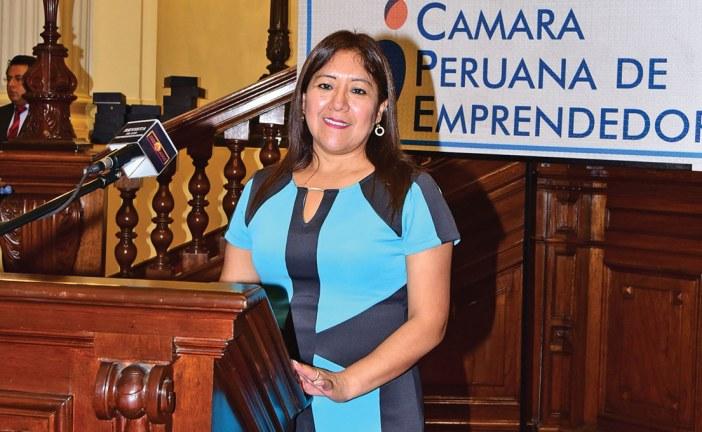 Destacado 2016 | Mariluz Alania Flores, clínica recibe reconocimiento por sus altos estándares de calidad