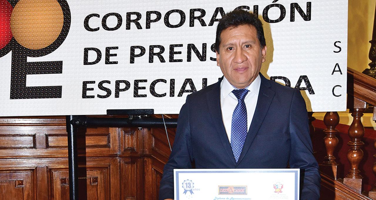Destacado 2016 | Oscar Avila Cajahuanca, Turismo Central seguro por fuera y comodidad por dentro